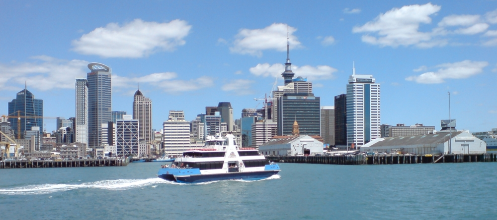 seabus_kea_travels_on_waterfront